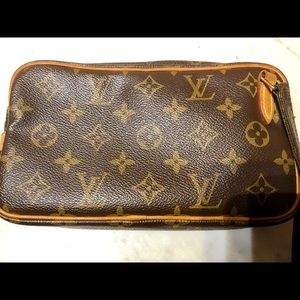 Louis Vuitton Pochette Bandoulliere Crossbody